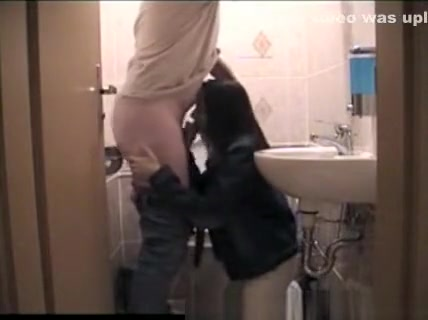 Blowjob in bathroom before the party