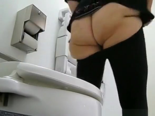 Video compilation of women caught by hidden camera pissing