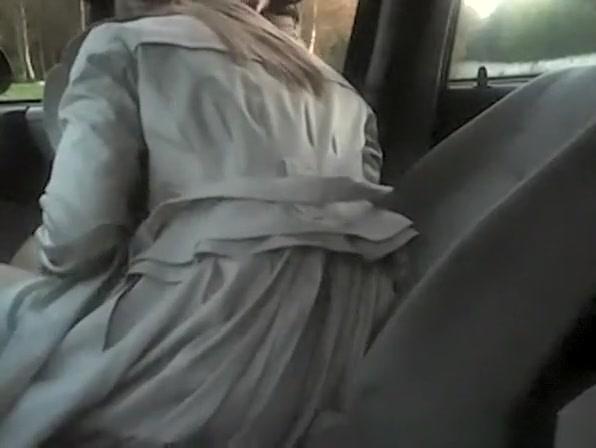 Car blowjob and fuck