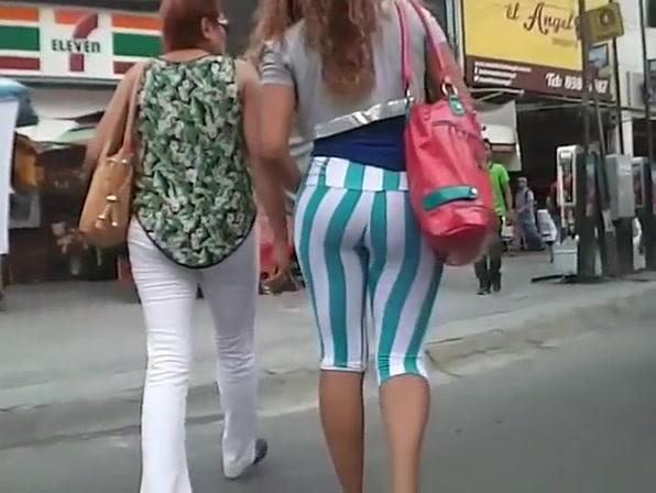 Hot ass teen in tight leggings