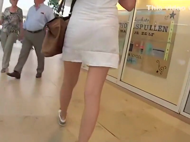 Moving stairs ride behind a hot ass