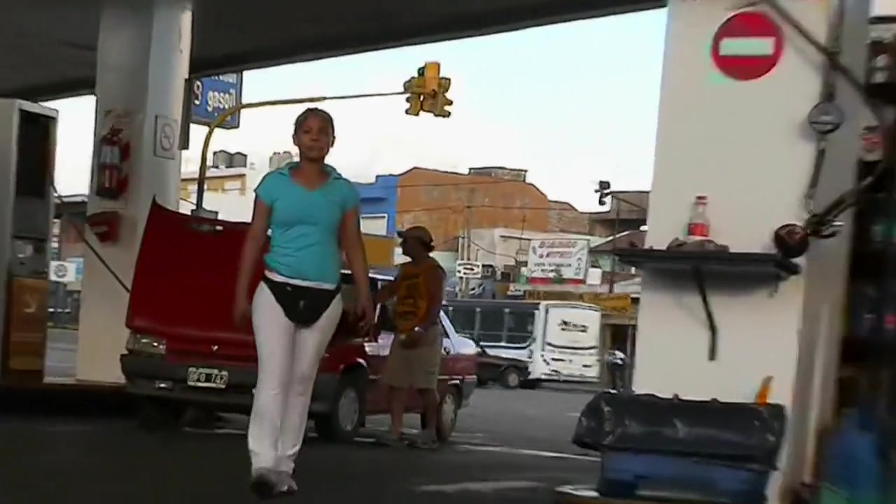 Girl with amazing ass filmed in many ways